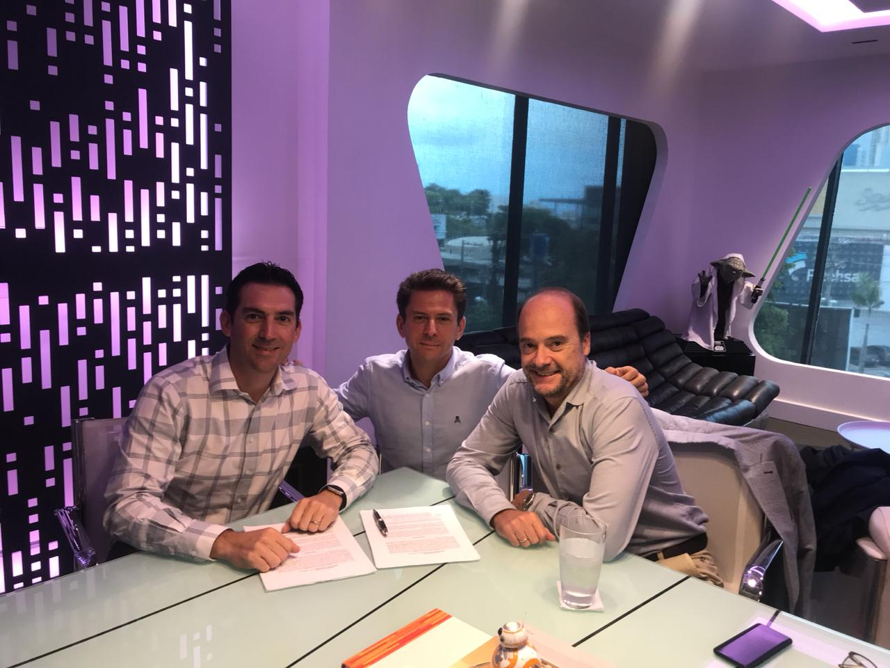 Grupo Star y Sneakerlost. Gabriel Barletta, Juan Carlos García Cordero y Nacho Vizán